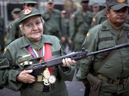 señora_fusil_milicias_bolivariana