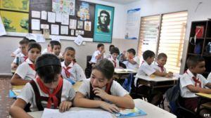 escolares cubanos