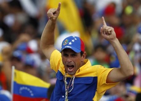 Henrique-Capriles-exaltado-655x471