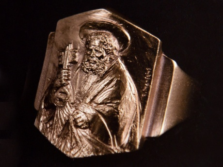 VATICAN-RELIGION-POPE-RING