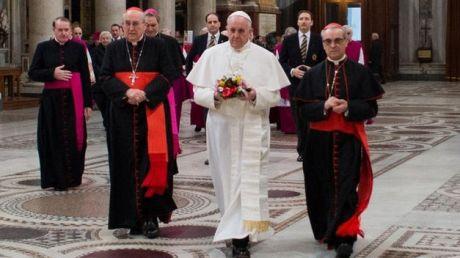 Primer-dia-nuevo-Papa-Francisco_TINIMA20130314_0374_18
